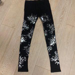 LA Banga black leggings with silver accents